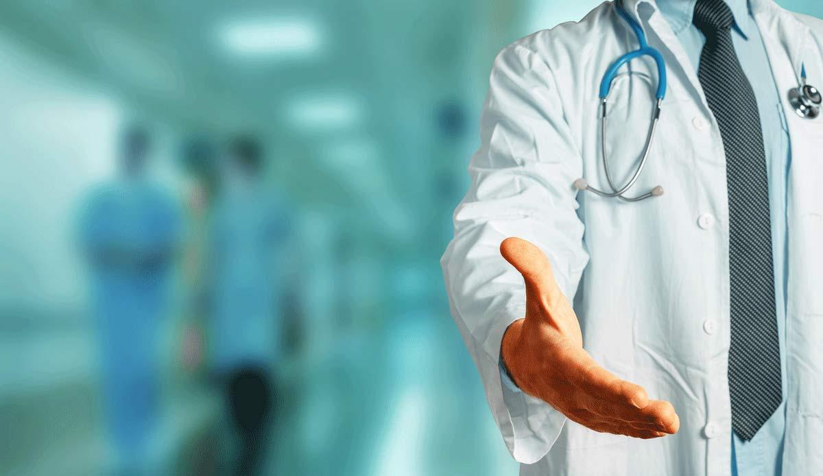 лечить алкоголика в клинике Выборга